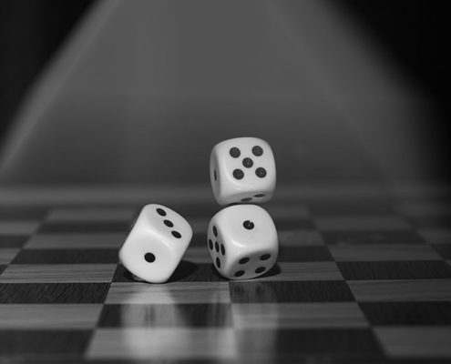 Dice_Rolling_on_Gameboard